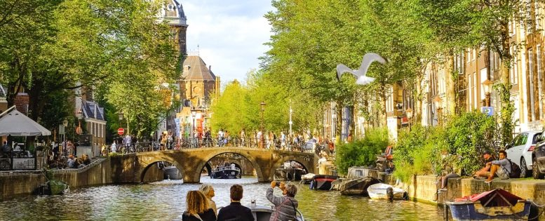 Прямые рейсы в Амстердам 12 700 рублей