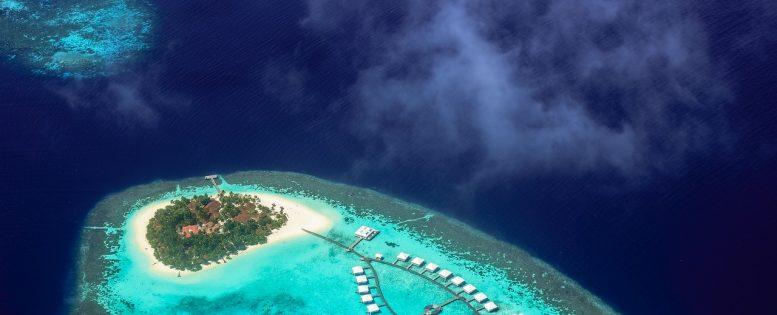 Мальдивы на майские праздники 33 900 рублей