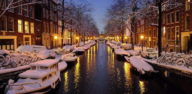 Архив. В Амстердам на Новый год 14 700 рублей