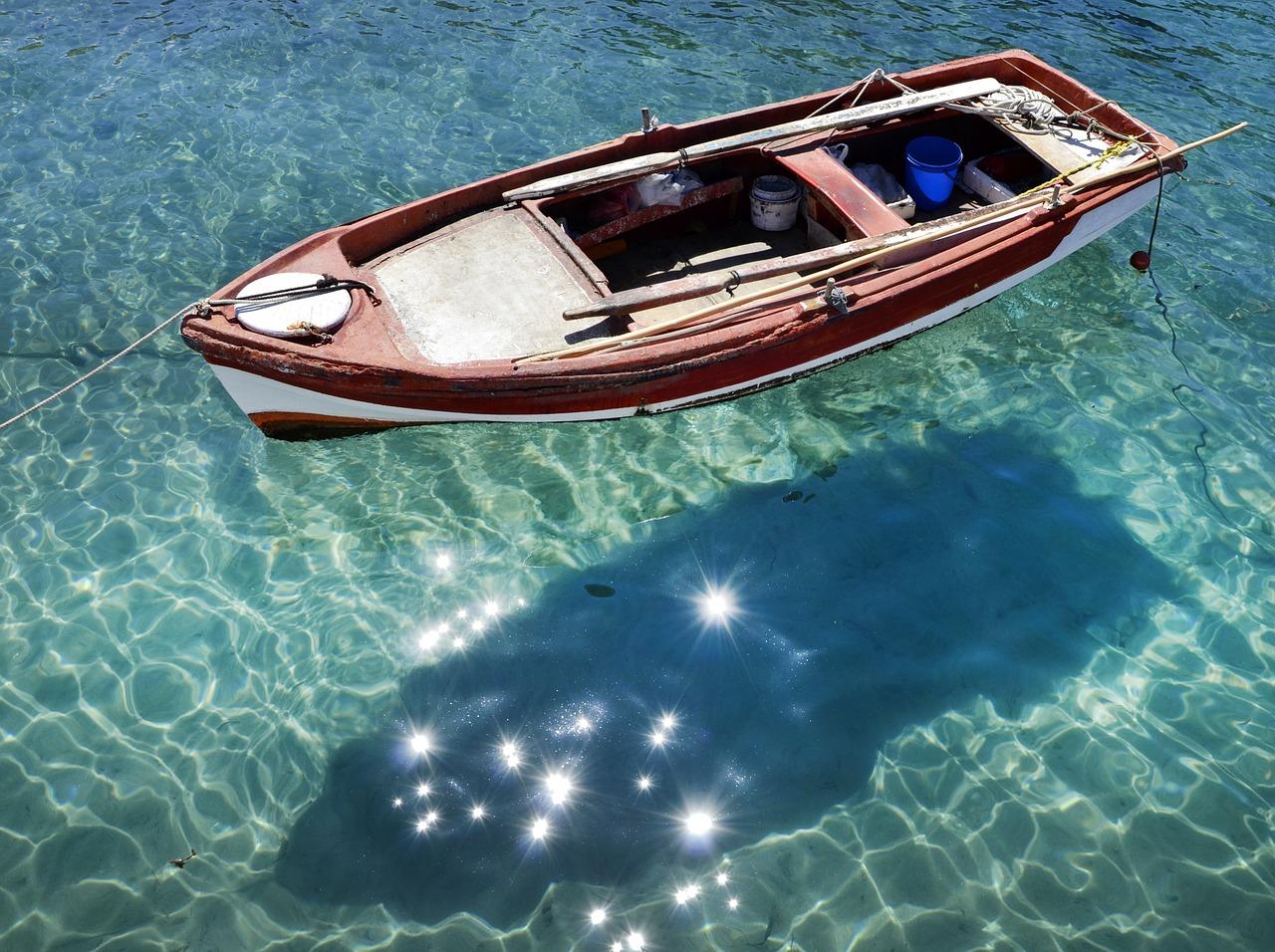 всей фото лодок на прозрачной воде фото позволяют приблизиться