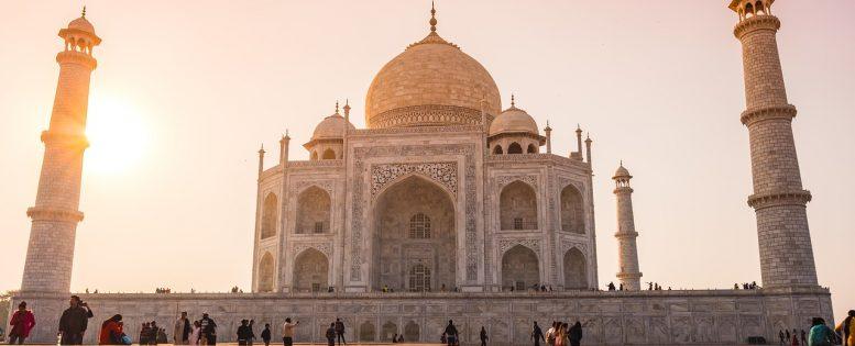 Индия ограничивает въезд в страну