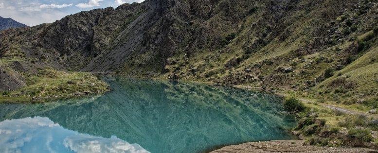 Архив. В Киргизию на майские праздники 10 400 рублей